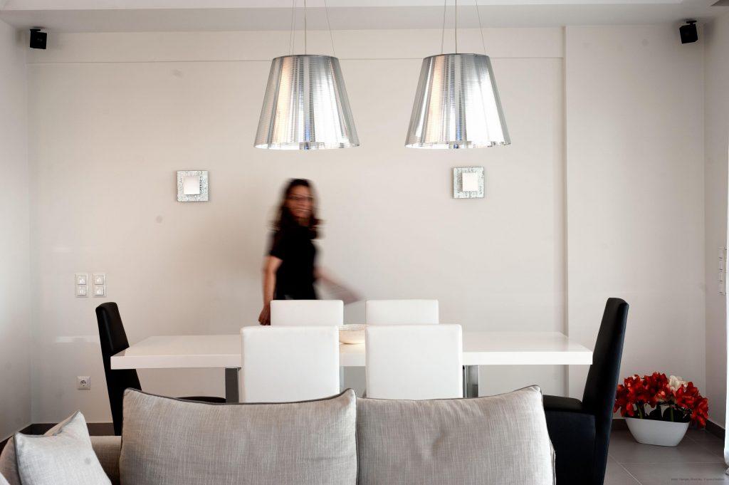 Διαμέρισμα στη Γλυφάδα, από την Ρένα Κοντράρου